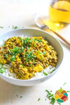 Curry de lentilles et pommes de terre Healthy Weekly Meal Plan, Good Healthy Recipes, Healthy Foods To Eat, Veggie Recipes, Indian Food Recipes, Vegetarian Recipes, Cooking Recipes, Milk Recipes, Easy Cooking