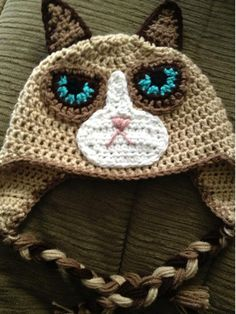 This listing is for a crochet Grumpy Cat hat pattern in child, adult, or large adult sizes only. You are NOT purchasing a finished hat; Bonnet Crochet, Crochet Baby Hats, Crochet Beanie, Earflap Beanie, Crocheted Hats, Chat Crochet, Crochet Mignon, Loom Knitting, Knitting Patterns