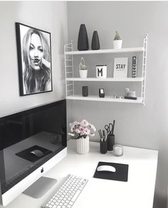 70 Scandinavian Home Office Desk Design Ideas And Remodel - Mesa Home Office, Home Office Desks, Office Workspace, Office Spaces, Bureau Design, Study Design, Home Office Organization, Office Decor, Office Ideas