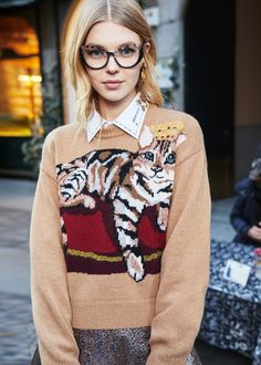 Discover the new Dolce   Gabbana Women s Fall Winter 2017-18 Collection and  get inspired a023e71eef4