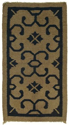 """Gustav Stickley drugget rug, c. 1910, stylized floral design in navy on an oatmeal field, 32"""" x 59"""""""