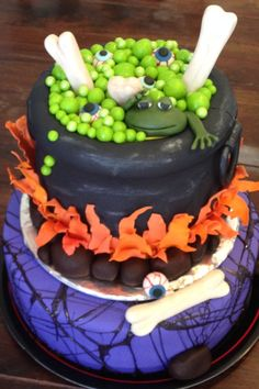 Witches brew Halloween cake