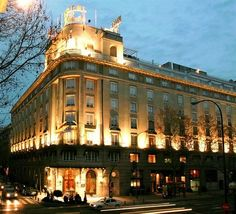 Welcome to the Official Website of Hotel Wellington in Madrid, Spain. Our luxury hotel features exquisite design and a Michelin-starred restaurant. Top Hotels, Hotels And Resorts, Best Hotels, Luxury Hotels, Room Mate Oscar, Hotel Villas, Madrid Hotels, National Portrait Gallery, Group Travel