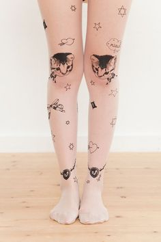 I would wear kitty cat tights. Cat Tights, Sheer Tights, Corsets, Mode Pop, Tattoo Tights, Cute Asian Fashion, Girly, Moda Casual, Star Tattoos