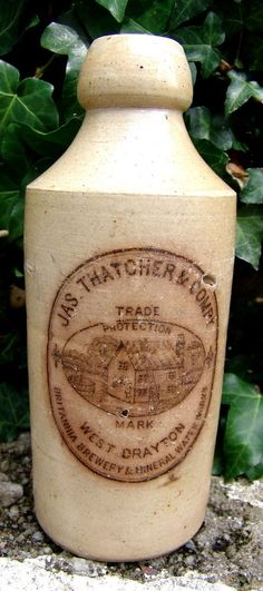 NICE RARE DETAILED COTTAGE pict'l 'THATCHER & CO, LONDON' GINGER BEER BOTTLE