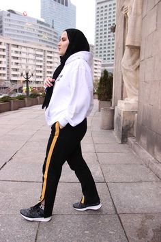 Mus Aleksandra Fashion Blogger Streetwear Hijab