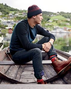 Clément Chabernaud Ventures Outdoors for J.Crew's Rugged December 2014 Men's Style Guide – wanderlust Rugged Men's Fashion, Stylish Mens Fashion, Male Fashion, Fashion Tips, Rugged Style, The Fashionisto, J Crew Men, Mens Style Guide, Cute Family