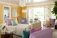 Chic Design for a Colorful Living Room with a 2 side open Settee.    Get Design Tips & Ideas for a Modern Living Room at http://www.constructionmarkets.com/decor/10_design_ideas_for_a_modern_living_room