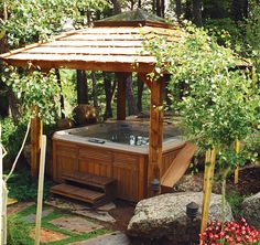Abri et spa - Shelter and hot tub