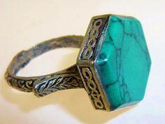 Tribalring mit grünem Stein, 20mm Innendurchmesser von Melach auf DaWanda.com