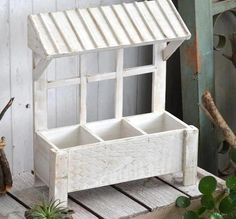 Handmade Weathered Wooden Window Inspired Flower P Diy Wood Planters, Flower Planters, Planter Boxes, Flower Pots, Garden Projects, Wood Projects, Rectangular Planter Box, Wooden Flower Boxes, Do It Yourself Design