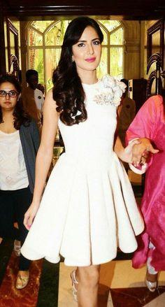 katrina Baby Birthday Dress, Birthday Dresses, Most Beautiful Bollywood Actress, Beautiful Actresses, Katrina Kaif Bikini, Katrina Kaif Photo, Bollywood Celebrities, Indian Wear, Fashion Models