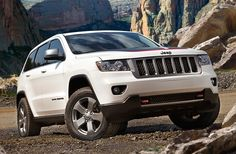 2013 Jeep Grand Cherokee Trailhawk and Wrangler Moab Special Edition announced Grand Cherokee Trailhawk, Jeep Grand Cherokee 2013, Cherokee Srt8, Jeep Range, Jeep News, Illinois, Nissan Versa, Chrysler Dodge Jeep, Vehicles