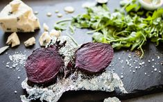 We love grilled beets! Use a foil packet to cook beets in less than 30 minutes. Turn them into a salad, appetizer, sandwich topping or vegetable side dish. Grilled Fruit, Grilled Zucchini, Roasted Beets, Grilled Vegetables, Grilled Pizza, Veggies, Vegetarian Grilling, Healthy Grilling Recipes, Recipes