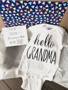 Hello Grandma Pregnancy Announcement Onesie® Mother's Day Gift For Mom, Pregnancy Announcement Personalized Gift Box Set / Bodysuit Reveal - Hello Grandma Pregnancy Announcement Onesie® Gift Box Set / Bodysuit / Pregnancy Reveal / New Baby - Baby Tritte, Baby Sleep, Diy Baby, Pregnancy Information, Bodysuit, Everything Baby, Baby Fever, Future Baby, New Baby Products