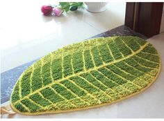 Small Leaf Form Green Area Rug