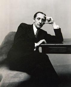 Irving Penn - Portrait, Vladimir Horowitz, 1947. Copyright of The Irving Penn Foundation.