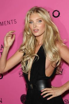 some really great hair. Elsa Hosk // VSFS Victoria's Secret Fashion Show // VS Angel Beauté Blonde, Blonde Color, Hair Color, Elsa Hosk, Angel Makeup, Hair Makeup, Pink Makeup, Swedish Blonde, Bombshell Makeup
