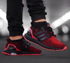 How do I get my solar red ultraboost soles to look like this?