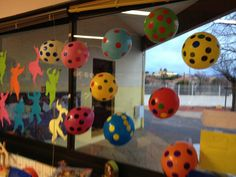 Les ronds de Yayoi KUSAMA Yayoi Kusama, Craft Activities For Kids, Projects For Kids, Dot Day, Ecole Art, Petite Section, Art Plastique, Elementary Art, Artist Art