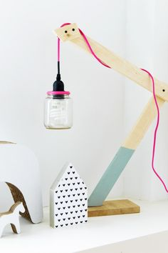 Wooden lamp with fluo pink cord | Styling Mirella Timmers | Photographer Ronald Zijlstra | vtwonen February 2015