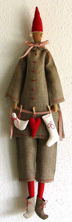 I finally found time to sew the new Tilda Santa design. I cheated with the embroidery on the jacket. I used the sewing machine and I have regreted it! On the Christmas stocking I didn't embro… Christmas Sewing, Christmas Crafts, Christmas Stocking, Cottage Christmas, Father Christmas, Paperclay, Scandinavian Christmas, Little Doll, Diy Doll