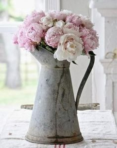 Flowers pink peonies shabby chic 33 ideas for 2019 Baños Shabby Chic, Estilo Shabby Chic, Shabby Chic Kitchen, Shabby Chic Homes, Shabby Chic Furniture, Cottage Furniture, Kitchen Decor, Rustic Chic, Kitchen Ideas
