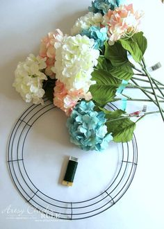 Hydrangea Wreath (so easy, you can make your own!) DIY Hydrangea Wreath (only a few supplies needed for this super simple spring wreath!)DIY Hydrangea Wreath (only a few supplies needed for this super simple spring wreath! Diy Spring Wreath, Spring Crafts, Spring Wreaths For Front Door Diy, Wreath Crafts, Diy Wreath, Tulle Wreath, Wreath Ideas, Corona Floral, Hydrangea Wreath