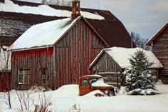 Barn and outbuildings in winter Farm Barn, Old Farm, Country Barns, Country Life, Country Living, Country Roads, Barn Pictures, Winter Pictures, Pretty Pictures