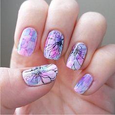 16 Decoraciones de uñas en acuarela que son todas unas obras maestras - buenamente