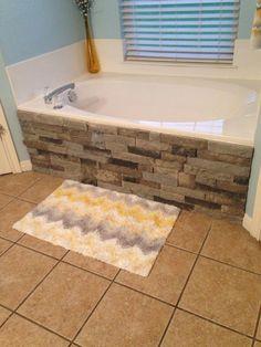 Airstone on our bathtub Little updates! Homedecorationonabudget is part of Bathtub remodel - Built In Bathtub, Diy Bathtub, Bathtub Decor, Bathtub Remodel, Stone Bathtub, Clean Bathtub, Budget Bathroom, Small Bathroom, Bathroom Ideas