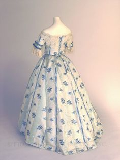 1853-1854 - Back view of evening bodice and skirt
