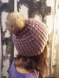 Apprendre à tricoter Comment tricoter un bonnet Comment tricoter une écharpe Comment tricoter un châle Bonnet Crochet, Crochet Baby, Knit Crochet, Loom Knitting, Hats For Women, Fingerless Gloves, Mittens, Headbands, Crochet Patterns