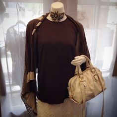 Top: Brunello Cucinelli gray silk top. Size M Bag: Bally white leather hand bag with gold details, comes with cross body shoulder strap. Brand new condition.  Please call (949) 715-0004 for all inquiries.  #couture #designer #consignment #luxuryconsignment #lagunabeach #fashion #style #luxury #stylish #luxuryshopping #shopping #glam #readytowear #bally #brunellocucinelli #OC #orangecounty #LA #losangeles