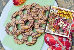 Vánoce za dveřmi: Linecké kejklířky s karamelem a ořechy Dessert Recipes, Desserts, Cereal, Cookies, Breakfast, Tv, Food, Tailgate Desserts, Crack Crackers