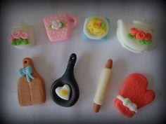 Imãs para chá de panela feitos à mão - modelagem em biscuit (porcelana fria)