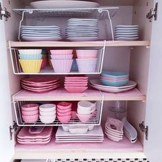 1000 Likes 12 Comments Organization & Tips ( on In Kitchen Organization Pantry, Home Organisation, Diy Kitchen Storage, Home Decor Kitchen, Organization Hacks, Kitchen Design, Room Decor Bedroom, Diy Room Decor, Pastel Kitchen