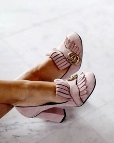 Gucci Marmont blush pink suede pumps Lydia Elise Millen The Best of high heels in 2017 High Heel Sneakers, Sneaker Heels, Cute Shoes, Me Too Shoes, Awesome Shoes, Pretty Shoes, Daily Shoes, Shoe Boots, Shoes Heels