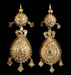 Indian Jewelry Earrings, Tribal Earrings, Gold Jewelry, Jewelery, Vintage Jewelry, Drop Earrings, Goldscheider, Moroccan Jewelry, Metal Clay