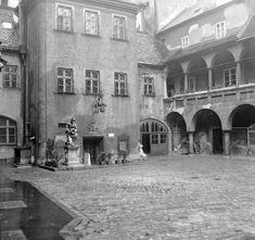 Pozsony, Óvárosháza udvara (kép: 1958, fortepan, Gyöngyi) Bratislava, Busan, Hungary, Gallery, Geo, Nostalgia, Times, Country, Roof Rack