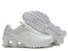 Mens Nike Shox R4  http://www.buyshoxr4cheap.com/mens-nike-shox-r4-all-white-shoes-p-190.html