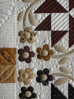 This is Tammy& cute flowery quilt. She said she got real tired of appliqueing little circles in the center of each flower, but I wou. Machine Quilting Designs, Quilting Projects, Quilting Ideas, Felt Projects, Quilt Stitching, Applique Quilts, Patch Quilt, Longarm Quilting, Free Motion Quilting