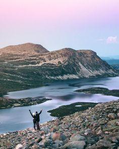 Guide to hiking Gaustatoppen in Telemark, Norway - How to see one-sixth of mainland Norway from Telemark's highest mountain   Best Tips Norway Travel Guide, Europe Travel Guide, Travel Guides, Travel Destinations, Travel Plan, Travel Tips, National Road, Hiking Guide, Road Trip Adventure