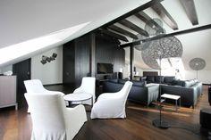 Coin salon pour boire le thé ou le café dans cet appartement moderne