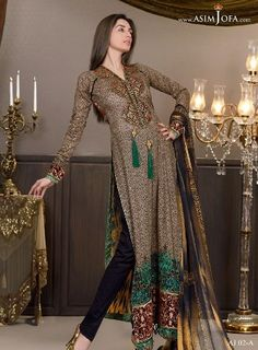 Asim Jofa is one of the fashion designers Pakistan saw in the last five years … his work show is dedication to culture and heritage of the country with a little western touch.