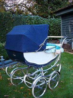 2 in 1 Pram & Luxury Stroller Moretti gray-mustard-white Vintage Stroller, Vintage Pram, Pram Stroller, Baby Strollers, Silver Cross Prams, Prams And Pushchairs, Baby Buggy, Dolls Prams, Baby Prams