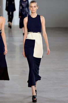 See the Calvin Klein Collection Spring 2015 collection on Vogue.com.