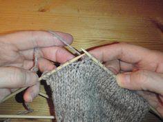 ANITA PÅ ANDØYA - HEI KOSELIG DU STAKK INNOM : )) Her vil det handle om det unike Andøya har tilby av natur, fjell, nordlys, hvalsafari, fiske og turisme ol. Litt om meg hva jeg gjør som strikking, humor og ting og tang. . VELKOMMEN innom igjen senere da : ))) Diy And Crafts, Arts And Crafts, Knitted Hats, Knitting, Blogging, Threading, Tutorials, Tips, Tricot