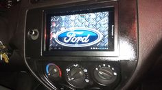 Android tablet as carputer/stereo Tablet Android, Android Auto, Diy Boombox, Car Head Units, Truck Mods, Pi Projects, Nexus 7, Diy Electronics, Window Cleaner