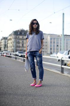comfy clothes: tee, jeans, flats
